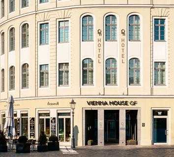 , Vienna House QF