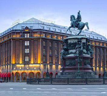 St. Petersburg, Astoria